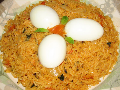 Indian kitchen tomato rice 2 med size tomatoes 1 large onion sliced 4 green chillies 12 teaspoon fennel seedssaunf 5 cury leaves 12 teaspoon pepper handful chopped cilantro ccuart Choice Image