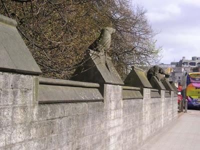 P I G T O W N D E S I G N Animal Wall At Cardiff Castle