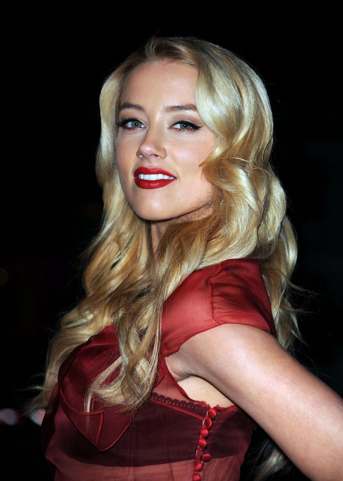 Amber heard criminal minds s1e18 9