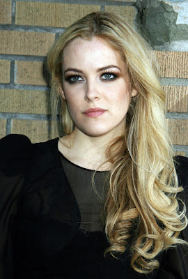 Riley Keough Hot Photo