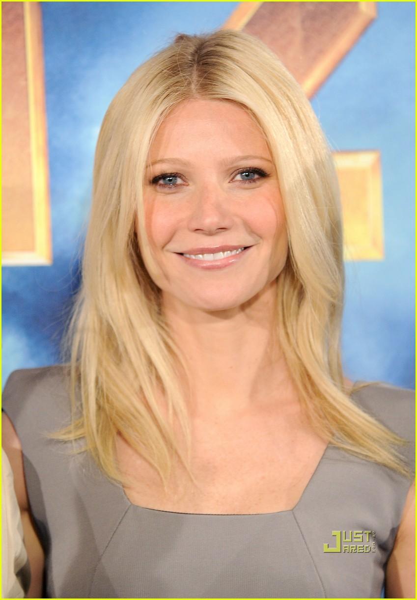 Gwyneth Paltrow Straight Hairstyles
