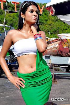 Shraddha Das Hot Photo