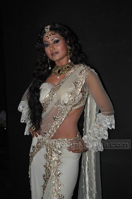 Nigaar Khan Hot Photo
