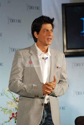 Shah Rukh Khan's Hot Photos with Gauri Khan