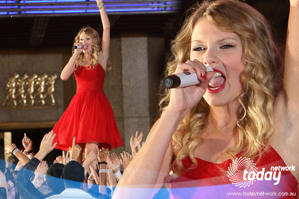 Taylor Swift was made a very memorable appearance at this year's 2010 VMAs