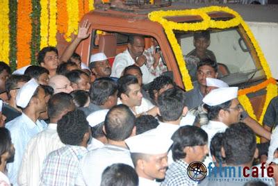 Salman Celebrates Ganesh Festival
