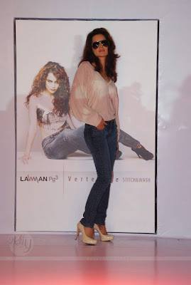 Kangana Ranaut at Lawman Jeans press meet (Photos)