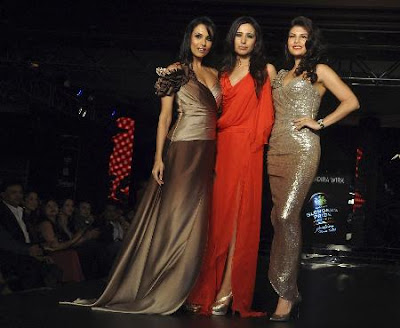 fashion  show , mumbai 2010