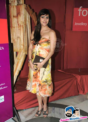 Bollywood hotties at Sahachari Foundation Event photos
