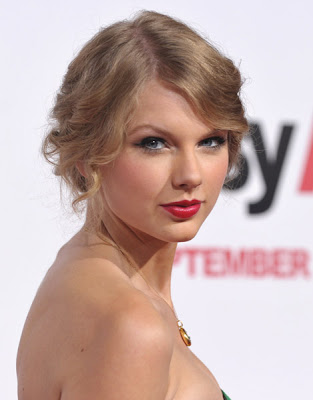 Taylor Swift Easy A Premiere Los Angeles Photos