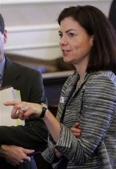 Kelly Ayotte,Hampshire politician