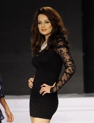 Dia Mirza & Kangna Ranaut Walk the ramp @ Fashion show