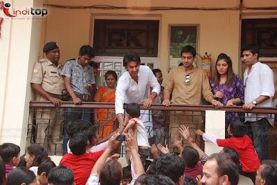 Priyanka Chopra & Ranbir Kapoor Ganesha Visarjan Pictures