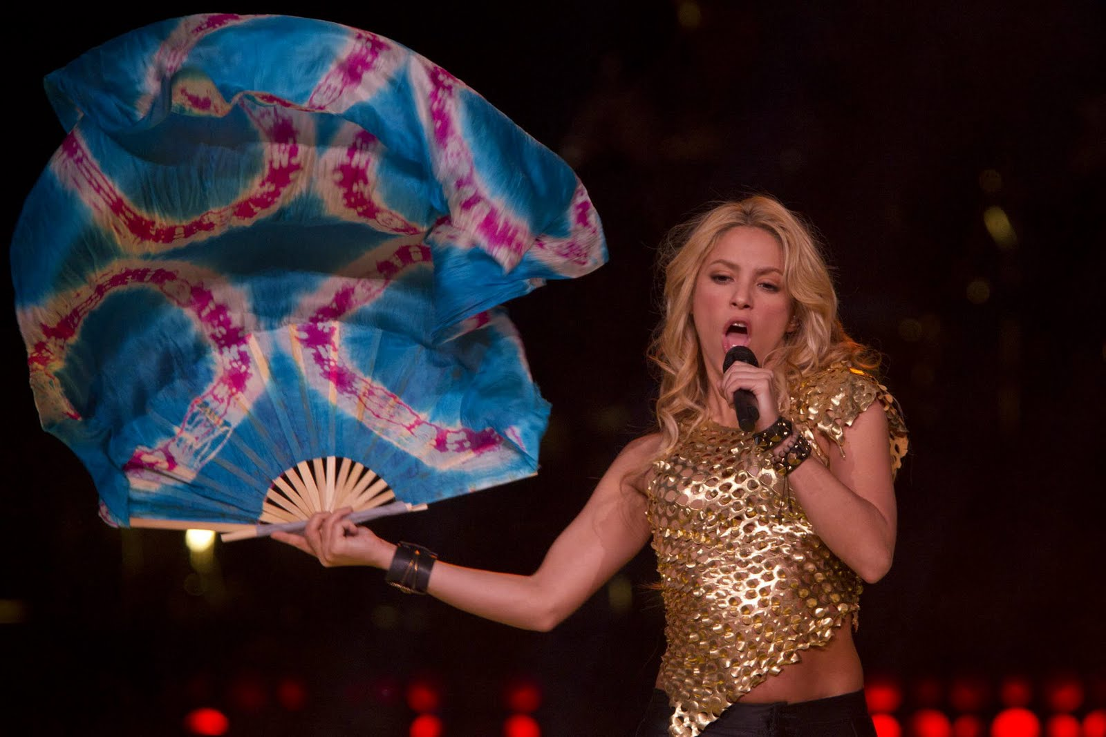 Wallpaper World Shakira Live Performance At Madison Square Garden Pictures