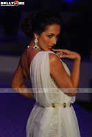 Malaika Arora Khan very hot with short dress on at HDIL Fashion Show