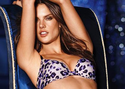 Alessandra Ambrosio Victoria's Secret 2010 Photos