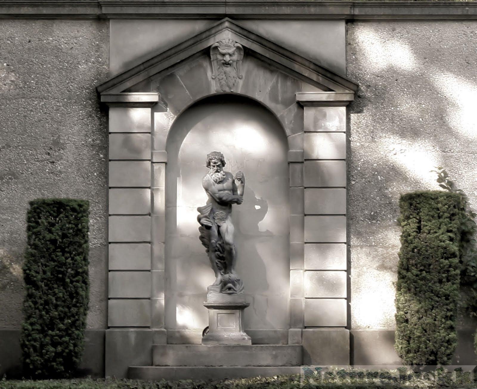 http://3.bp.blogspot.com/_6ANko4sjweM/SxPr6SicVmI/AAAAAAAAXKw/iVNLOhBtOXU/s1600/Statues_2_retouched.jpg