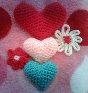Amigurumi Hearts for Valentines Day ~ Love is in the Air ...