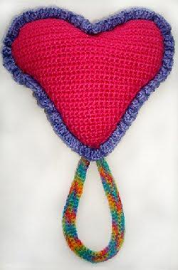 Crochet Pattern Amigurumi Turtle Crochet Keychain : AMIGURUMI HEART PATTERN FREE Knitting PATTERNS
