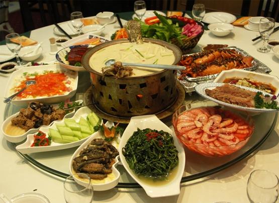 comer bien y evitar atracones en fiestas de Navidad