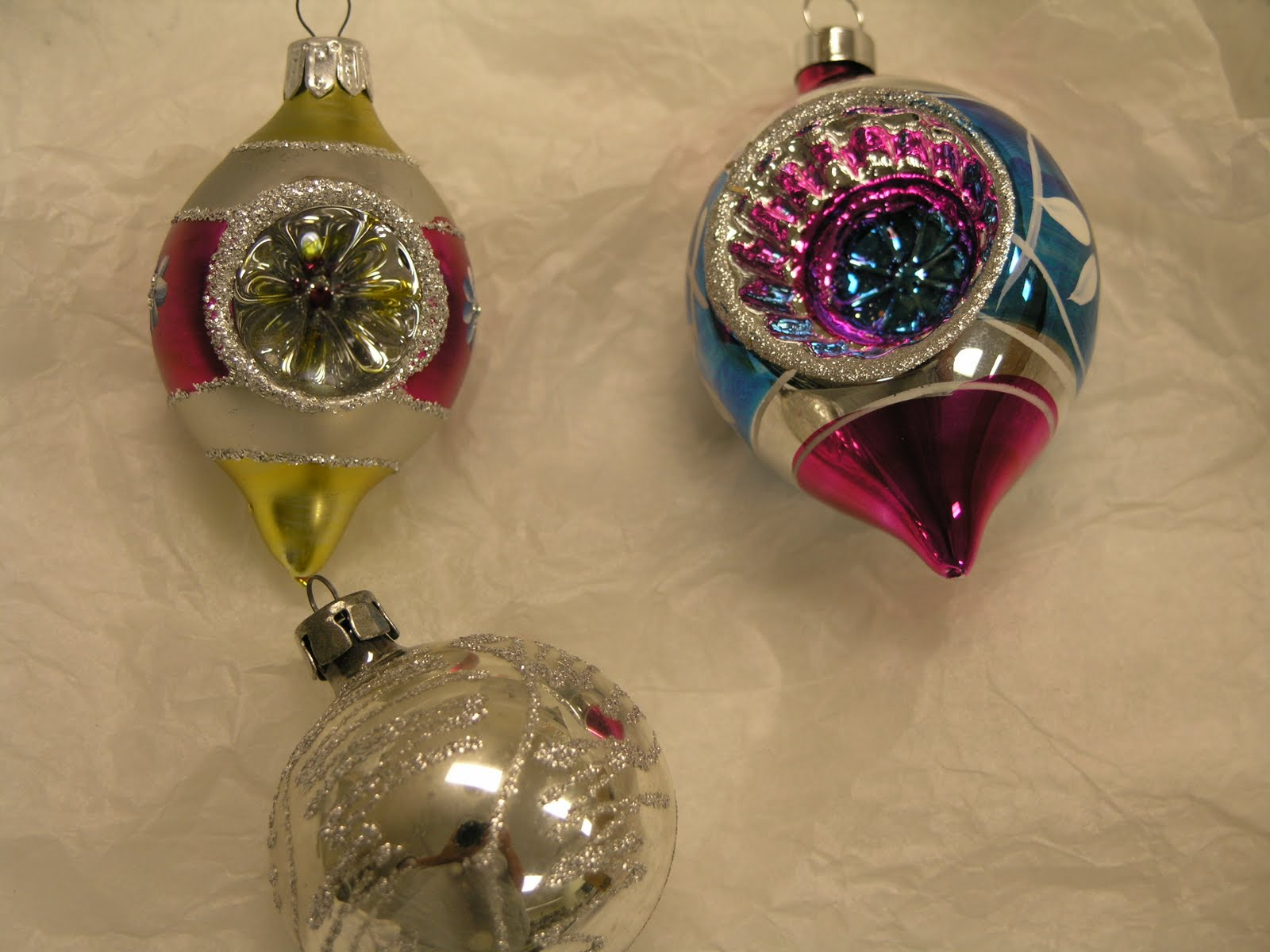Vintiquities: Yard Sale Find! Antique Christmas Ornaments!