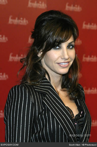 Gina Gershon loves to pose.hot and sexy .Wallpapers.