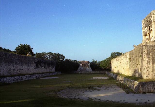 juego de la pelota chichen itza, ruinas mayas, ruinas yucatan