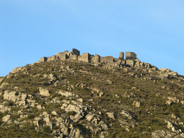 castillo de san pere de rodes, parking san pere de rodes, monastir de san pere de Rodes, monasterio de San pere de rodes, románico catalán, romànic català