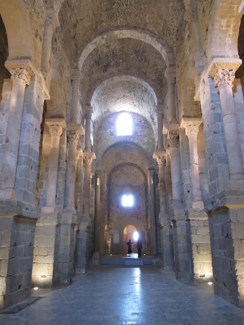 esglèssia del monastir de san pere de Rodes, iglesia monasterio de San pere de rodes, románico catalán, romànic català