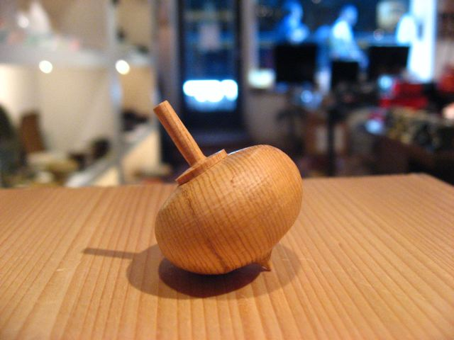 Japanese Toy Tops : Sara japanese pottery wooden spinning tops from hokkaido
