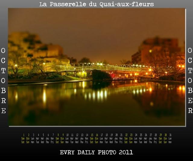 Evry Daily Photo - Calendrier Evry 2011 - Calendar Evry 2011 - Octobre 2011 - Le Quartier des Pyramides Evry