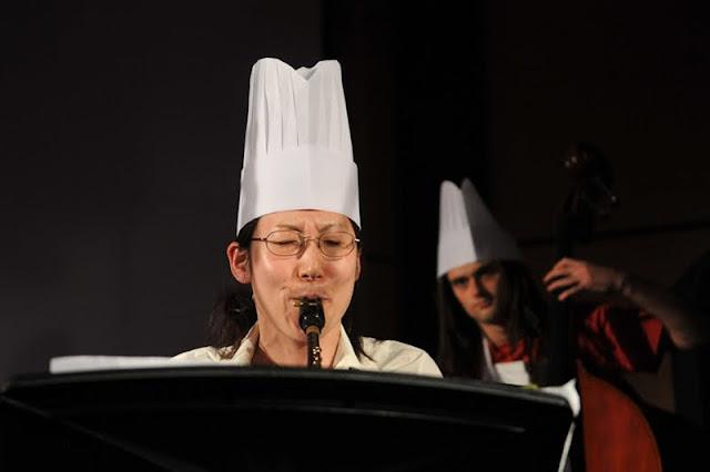 Evry Daily Photo - Salon du Livre Evry 2010 - Entre la poire et la clarinette