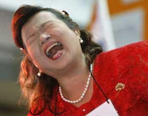 woman-laugh