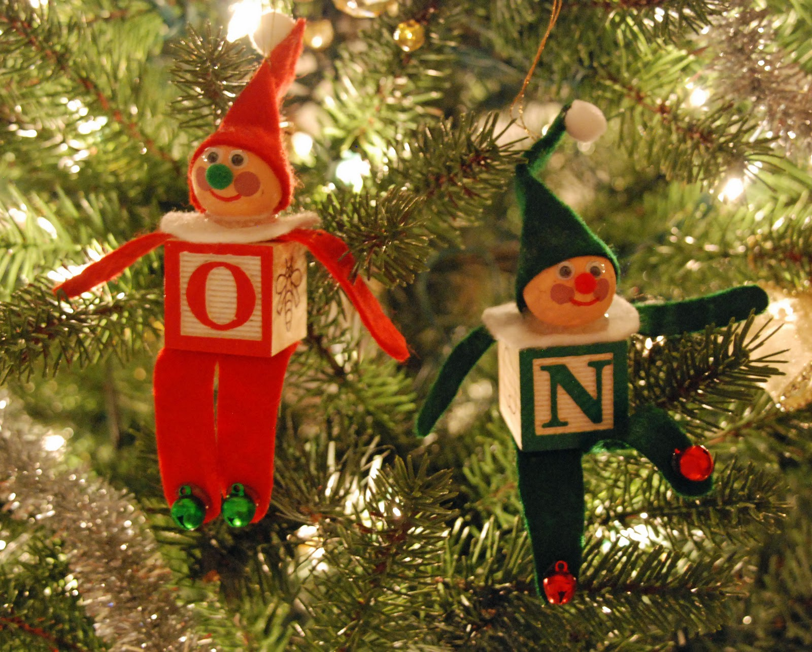 How to make a christmas elf decoration - That Artist Woman How To Make An Alphabet Block Elf Christmas Ornament