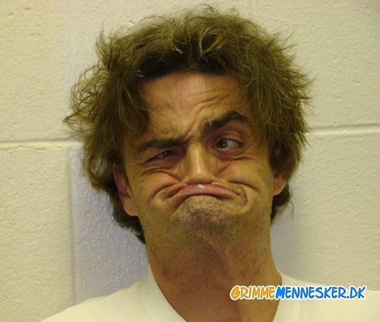 Photos Top 25 Mug Shots Of September 2012: 25 And Dating: Big Gums Little Teeth