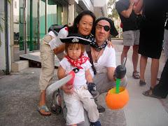 Halloween Family Pic 2009