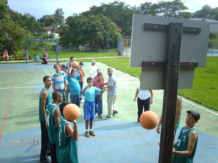 Campeões não só do basquete, mas também nas ações.
