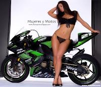 Fondos De Pantalla Mujeres En Moto