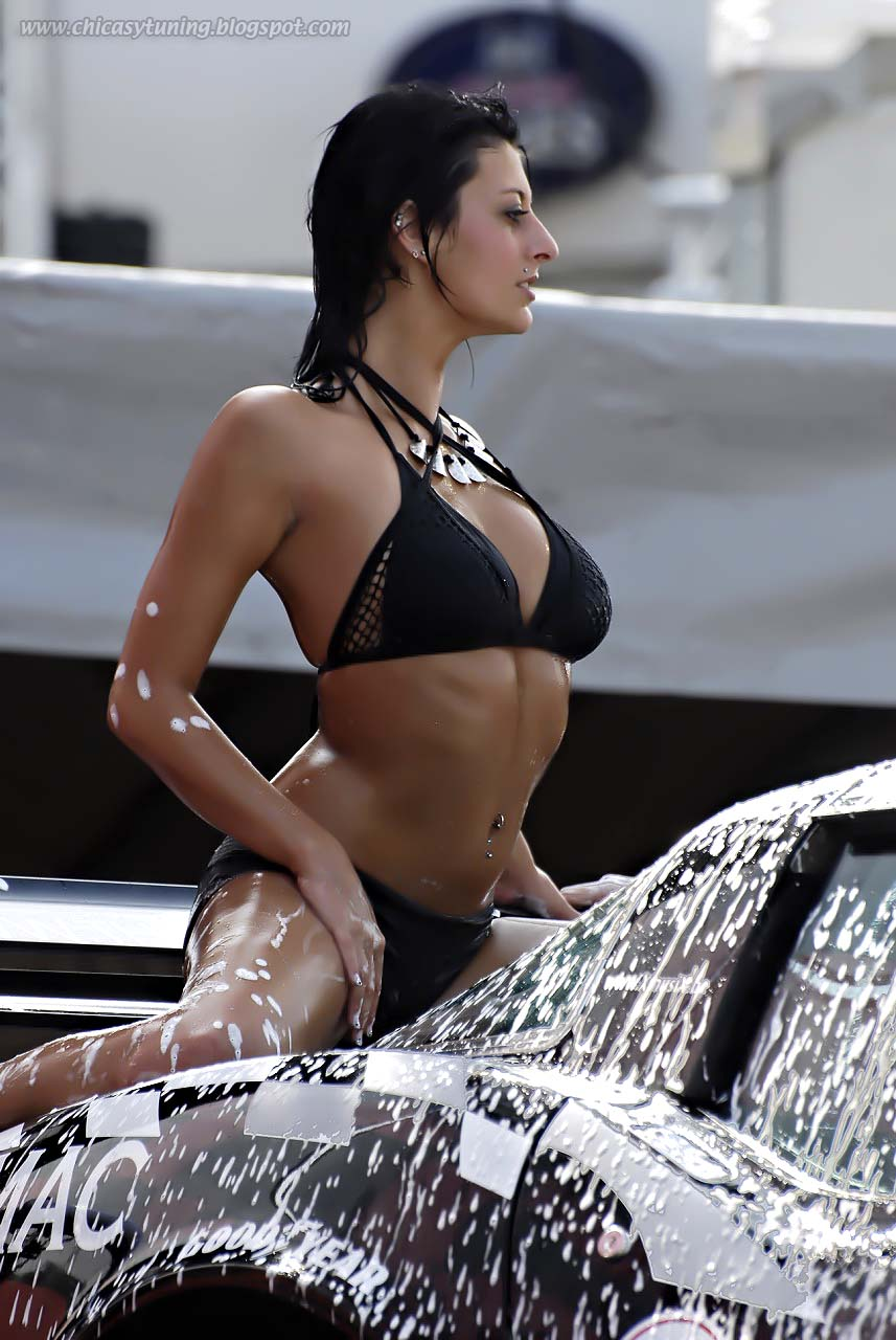 Bikini car photo wash