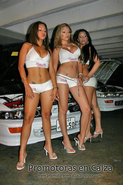 Latinas Sobre Promotoras De Automovilismo Fotos Mujeres Rubias