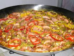 Paella Carnes com Camarão