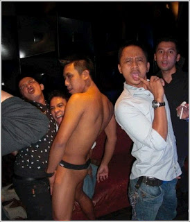 Sheza idris dan penari striptease