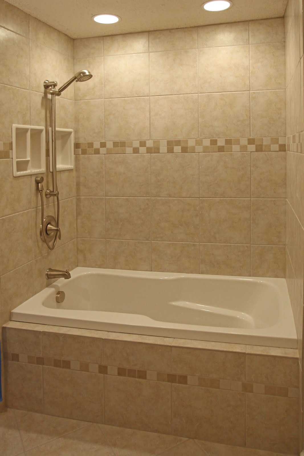 Bathroom remodeling design ideas tile shower niches for Small bathroom design ideas with tub
