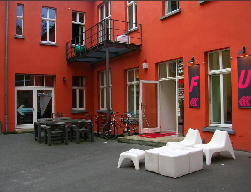 berliner hinterh fe oranienburger stra e 87 berlin mitte. Black Bedroom Furniture Sets. Home Design Ideas
