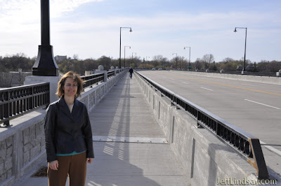avenue bridge in appleton, wisconsin, april 2010, by jeff lindsay