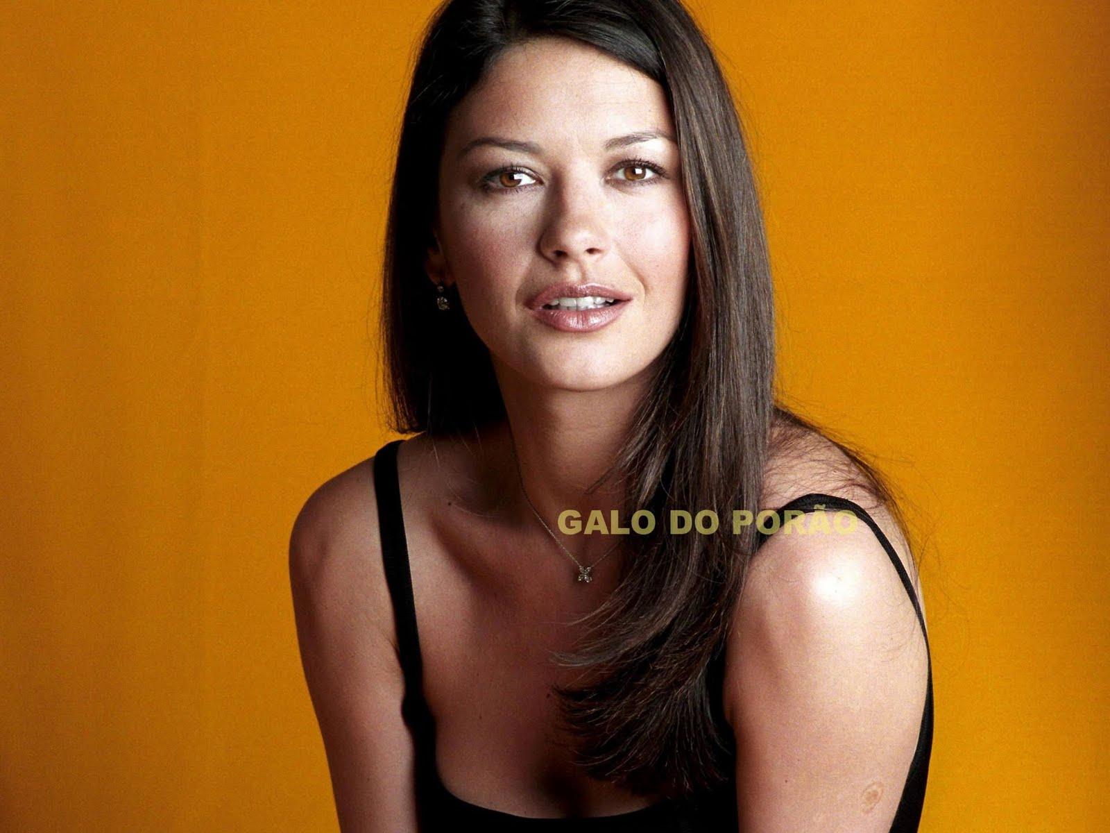 http://3.bp.blogspot.com/_6QURoNy4-5k/TK9Q8bNYW1I/AAAAAAAAIEQ/0k-6YSlRmqM/s1600/Catherine+Zeta-Jones.jpg
