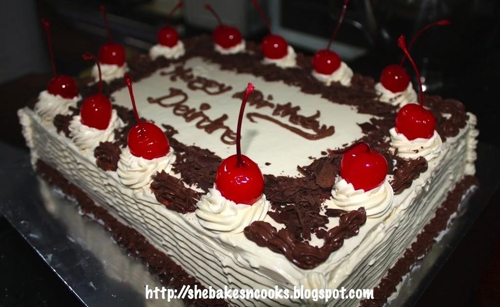 ... (Moved to http://vegbuzz.blogspot.com): Vegan Black Forest Cake