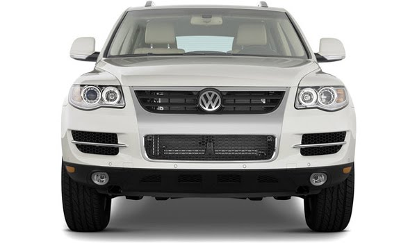ultimate autos volkswagen touareg 2010. Black Bedroom Furniture Sets. Home Design Ideas