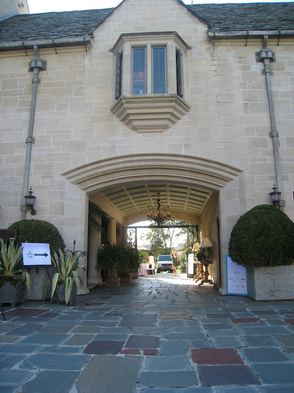 Covered entrance to the Greystone Estate