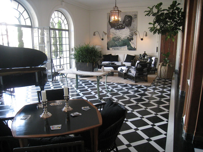 Black and white Salle de Reception at the Greystone Mansion